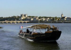 apr s la loire en v lo la loire en bateau une id e saumuroise qui pourrait faire son chemin. Black Bedroom Furniture Sets. Home Design Ideas